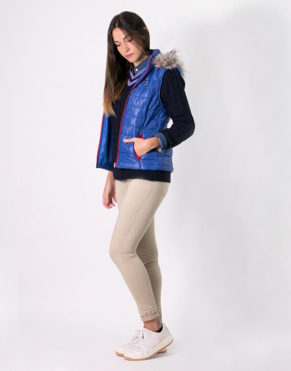 QUILTED VEST WITH HAIR HOOD